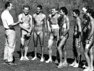 Tipps beim Training (v.l.n.r.): Franz Helfenschneider, Dieter Höllerwöger, Gerald Slazik, Peter Entenfellner, Günther Strachon, Gerald Will, Rudolf Loidl, Sabine Stelzmüller.