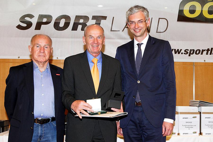 Verleihung der Sportehrenzeichen in Bronze durch Landesrat Mag. Dr. Michael Strugl. Ort: Hotel Kopling, Linz Aufnahmezeitpunkt: 13.06.2013 Fotograf: Heinz Kraml